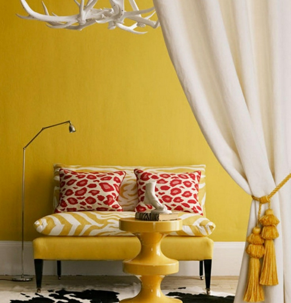 wohnzimmer farbgestaltung sommerpalette gelbe wandgestaltung sofa