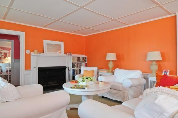wohnzimmer sommer farbpalette orange wandgestaltung