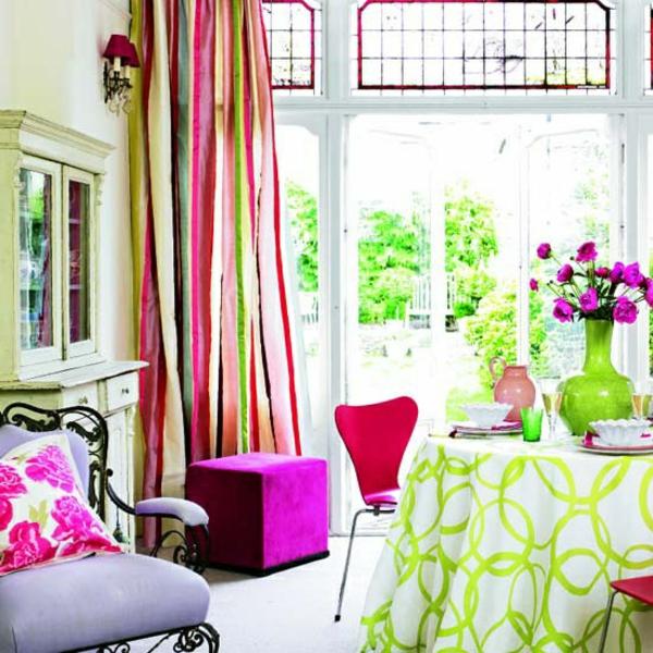 wohnzimmer sommer farbpalette rosa und grün