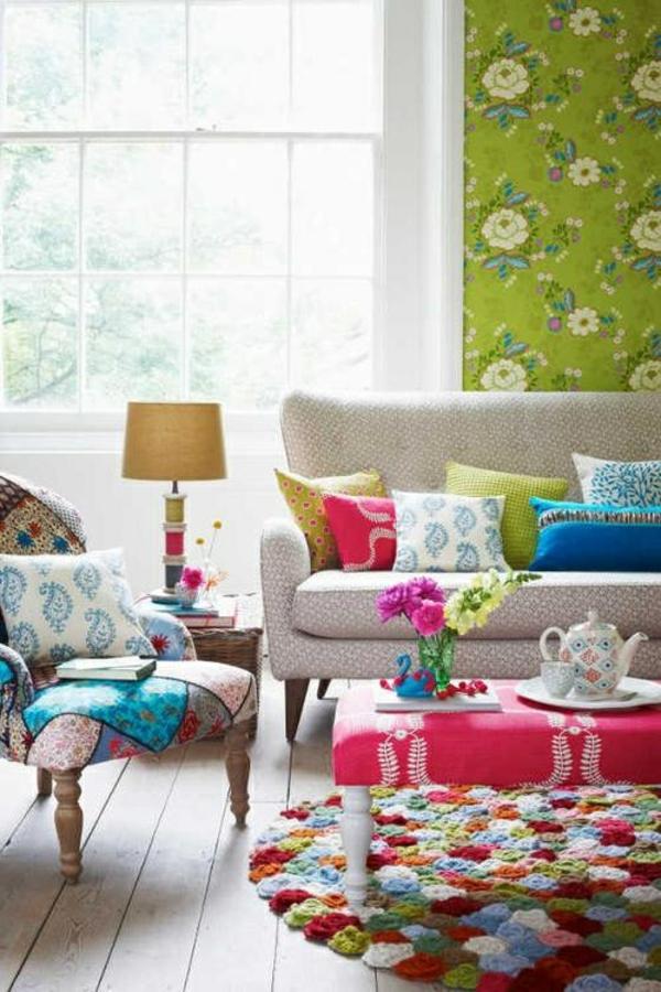 wohnzimmer farbgestaltung sommerpalette saftige farben grüne wandtapete
