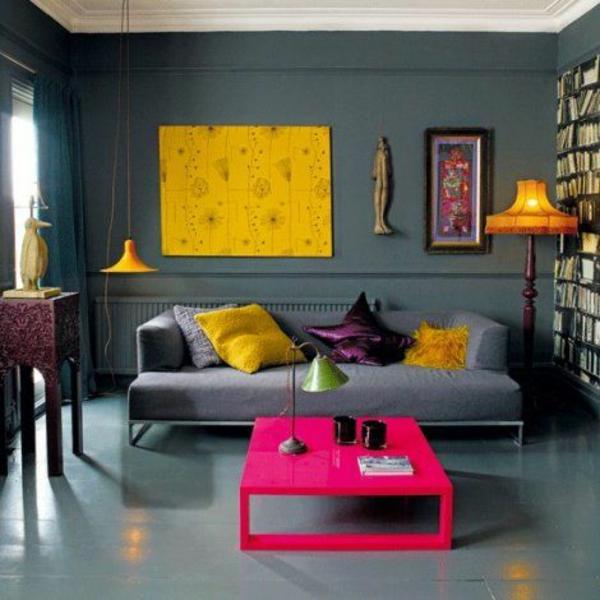 wohnzimmer sommer farbpalette signalfarben gelb und rosa