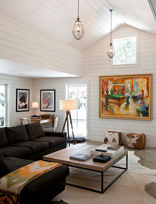 wohnzimmer gestalten beleuchtungsideen standleuchten stativlampe landhausstil fellteppich
