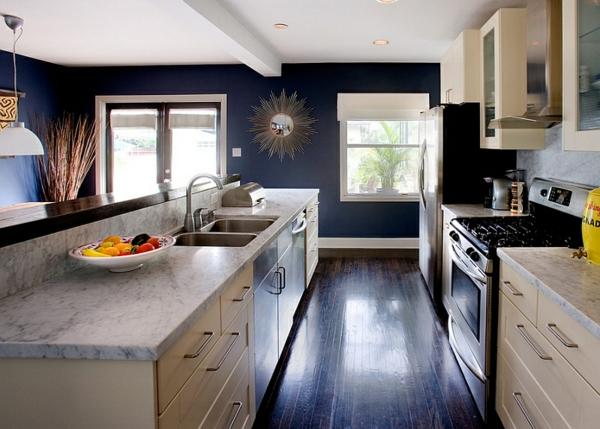 küche innendesign modern blaue wandgestaltung