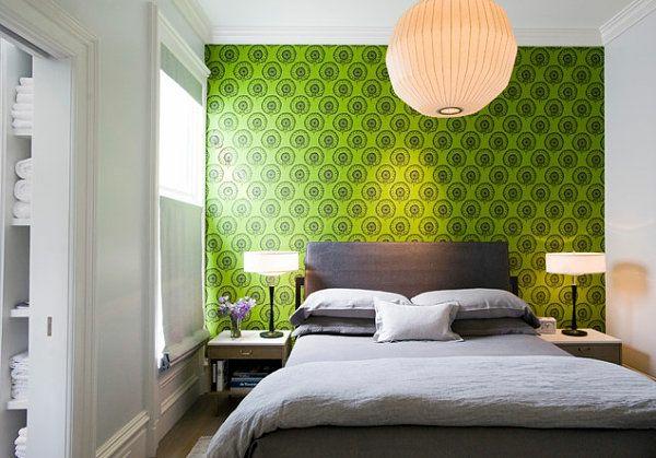 schlafzimmer wandgestaltung in grün graues bett