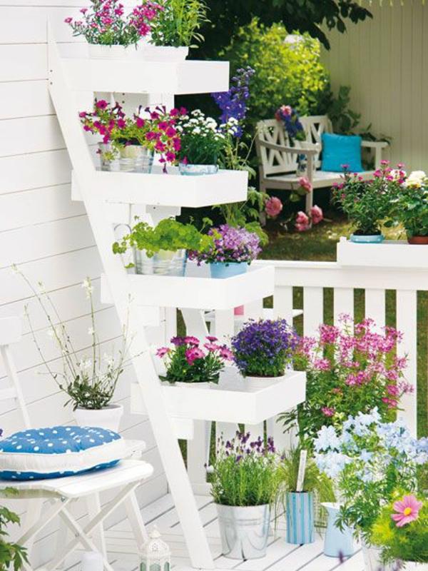 Balkonbepflanzung Ideen schneeweiß