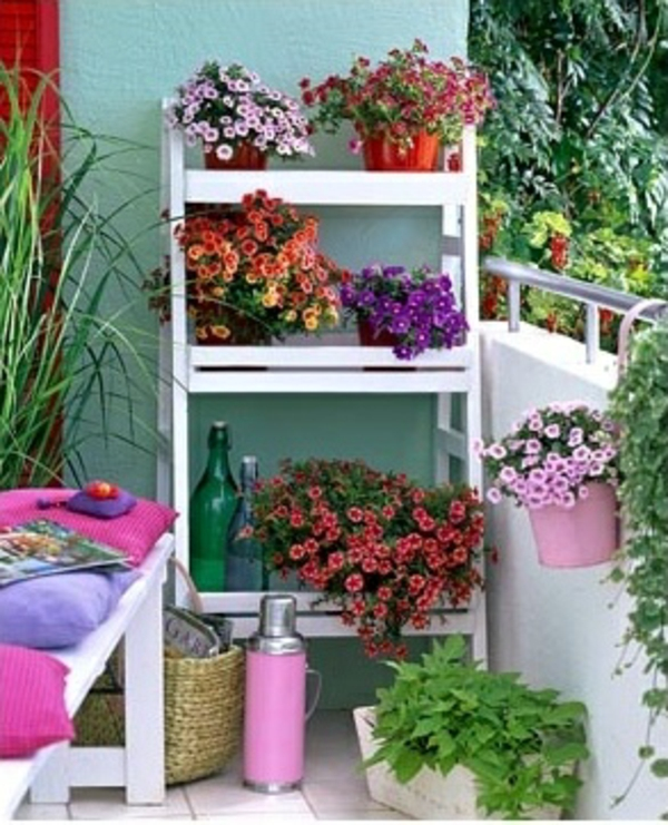 55 balkonbepflanzung ideen tolle blumen f r balkon arrangieren. Black Bedroom Furniture Sets. Home Design Ideas