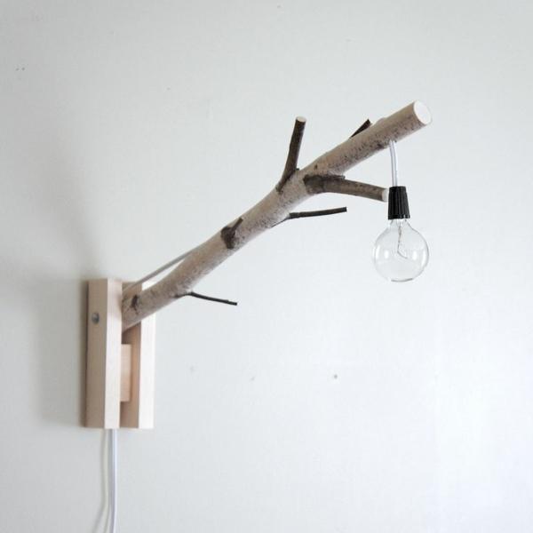 DIY Deko aus Glühbirnen holz zweige