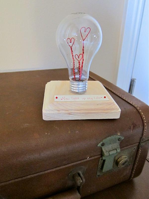 DIY Deko herzen glühbirnen romantisch geschenk
