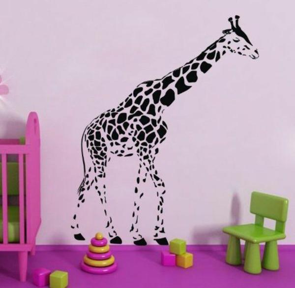 Dschungel kindertapete kinderzimmer gestalten lila giraffe