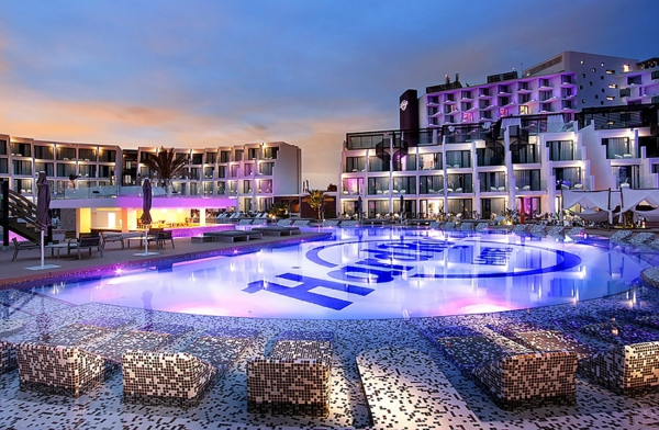 Hard Rock Hotel in Ibiza pool