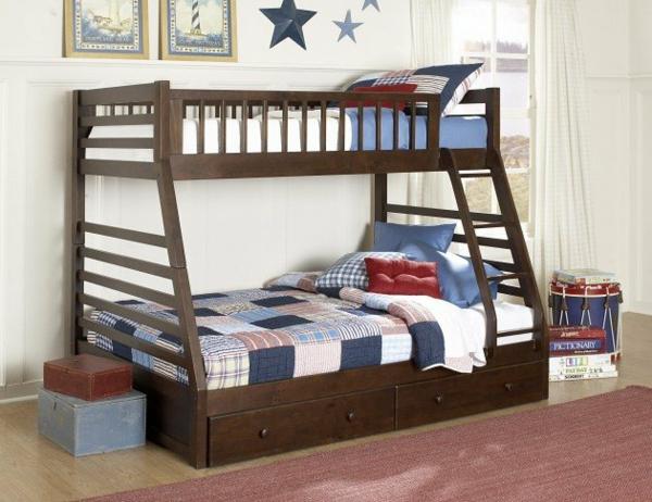 Hochbett im Kinderzimmer treppe streifen