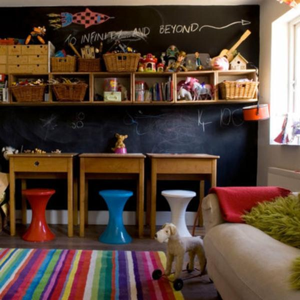 Kinderzimmer Deko tapeten bett weich hocker streifen