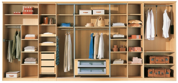 kleidermotten bek mpfen erkennen und entfernen sie die motten. Black Bedroom Furniture Sets. Home Design Ideas