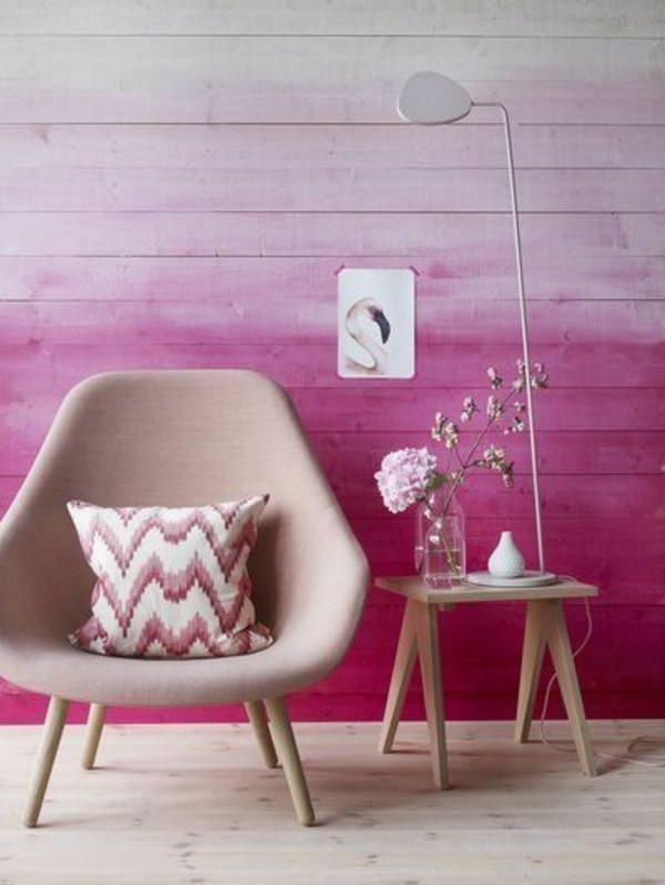 Kombinationen von Wandfarben lila rosa sessel