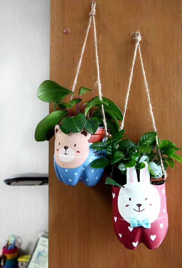 Recycling Plastikflaschen hängend bunnies