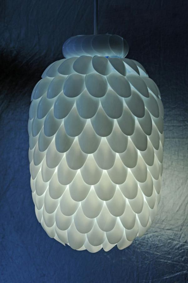 Recycling-von-Plastikflaschen-kronleuchter-lampenschirm