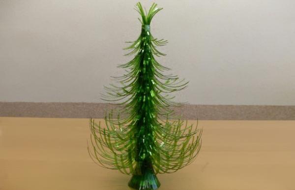 tannenbaum künstlich Plastikflaschen kunststück grün