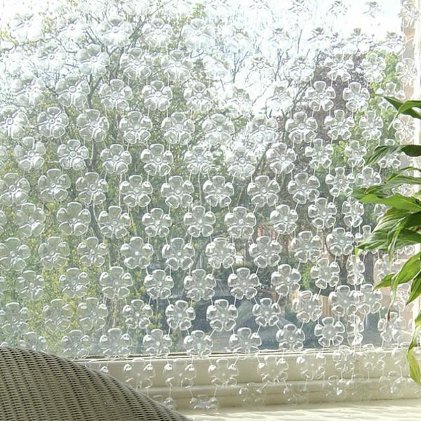 transparent Plastikflaschen sichtschutz hängend