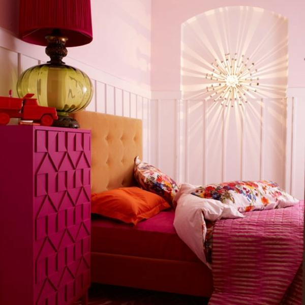 Schlafzimmer Ideen gestalten einrichten kühn farben kommode
