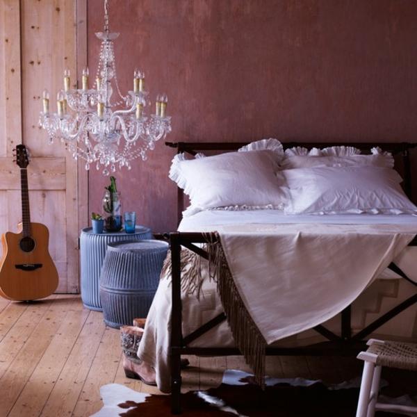 Schlafzimmer romantisch komplett gestalten kronleuchter