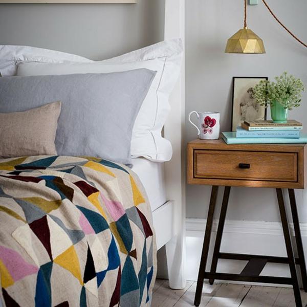 Schlafzimmer komplett gestalten nachttisch schublade