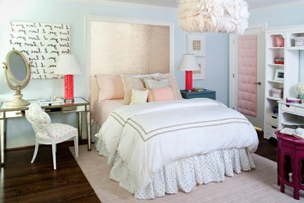 Schlafzimmermöbel und Nachttische spiegel antik design bettwäsche