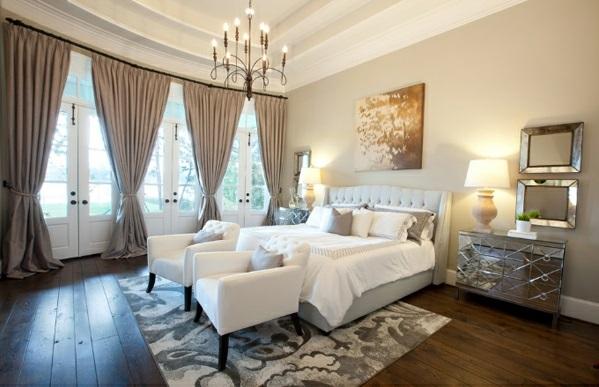 Schlafzimmermöbel und Nachttische spiegel antik design gardinen