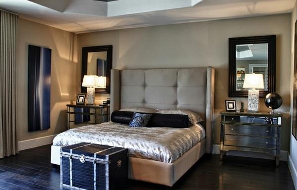 Schlafzimmer mit dachschraege spitzboden balken bett nachttisch blau ...