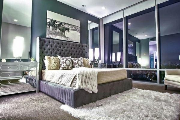 Schlafzimmermöbel und Nachttische mit Spiegelfläche