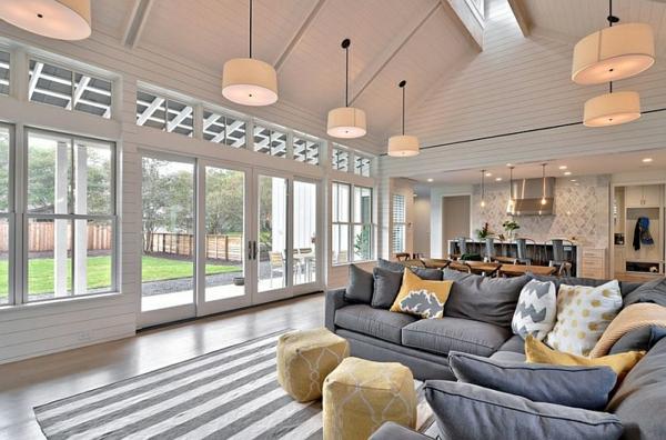 Wohnzimmer Hocker Weich Farbgestaltung Streifen Teppich