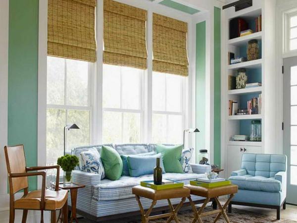 akzentwand streichen wandfarbe mintgrün wohnzimmer wand sofa dekokissen