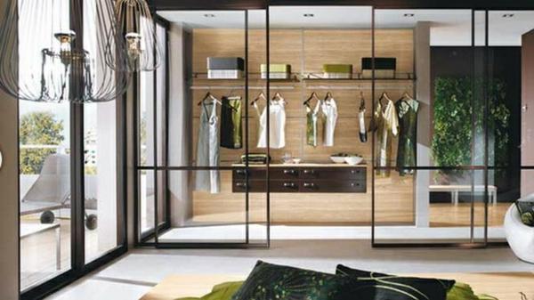 ankleidezimmer einrichten begehbarer kleiderschrank glasschiebetüren