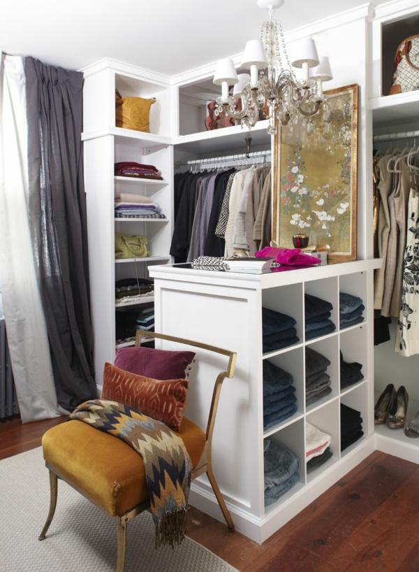 ankleidezimmer einrichten möbel offener kleiderschrank insel