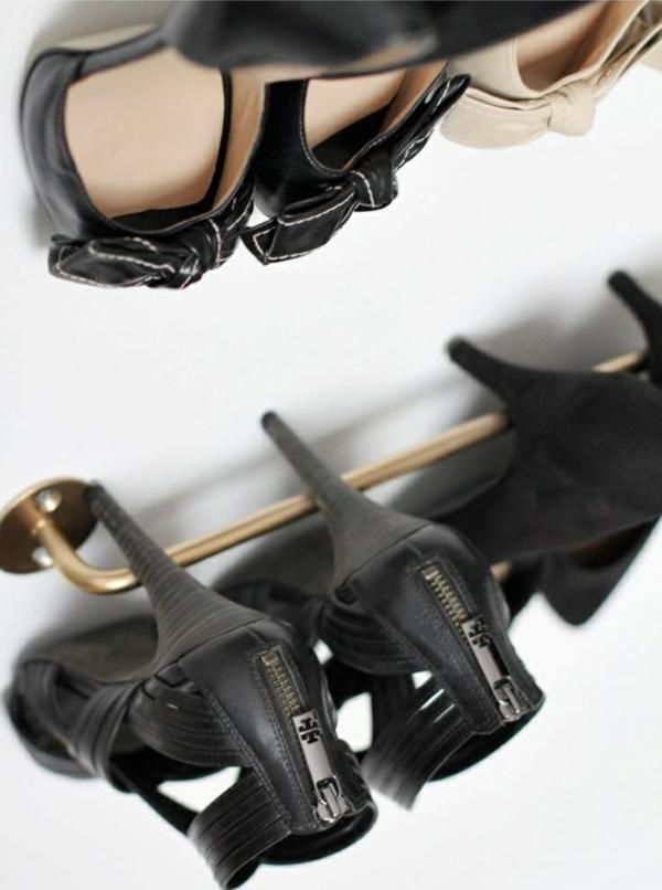 ankleidezimmer begehbaren kleiderschrank selber bauen schuhregal absatzschuhe aufbewahren
