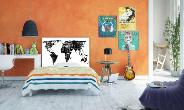 schlafzimmer einrichten bett kopfteil landkarte muster