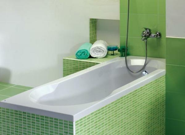badewanne einfliesen einbauwanne badezimmer fliesen grün