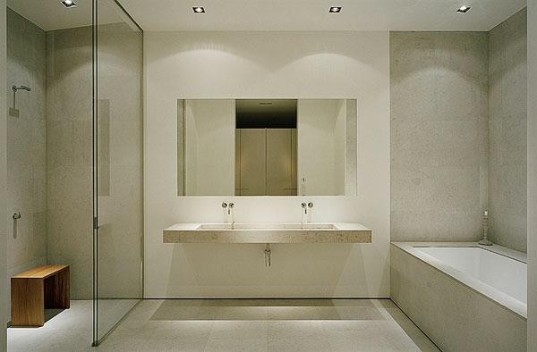 Moderne Dusche Fliesen : Badezimmer Fliesen Einbauwanne Bodengleiche ...