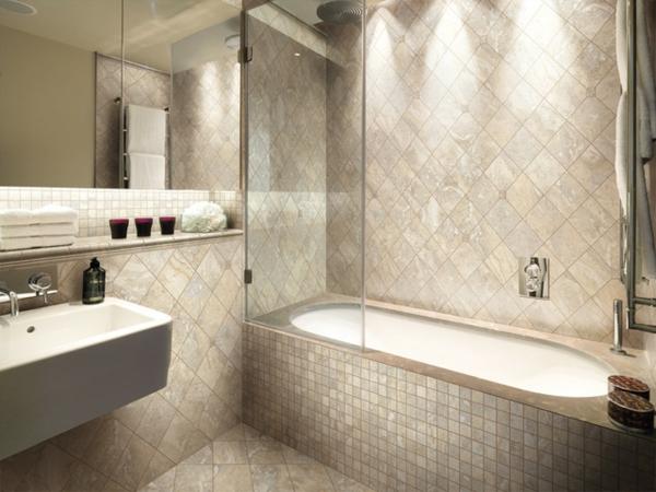 badewanne fliesen badezimmer einrichten badmöbel