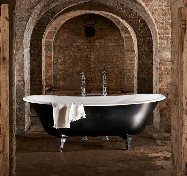 freistehende badewannen aus polen die neueste innovation. Black Bedroom Furniture Sets. Home Design Ideas