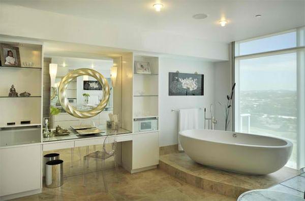 badezimmer badspiegel rund freistehende badewanne