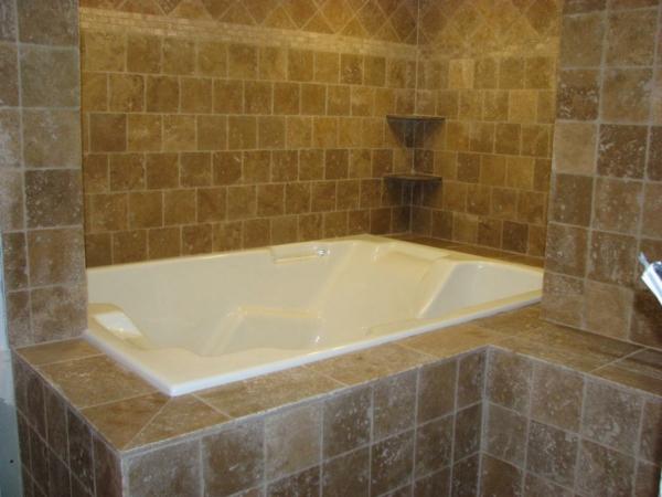 badezimmer gestalten badewanne verkleiden einbauwanne wandfliesen