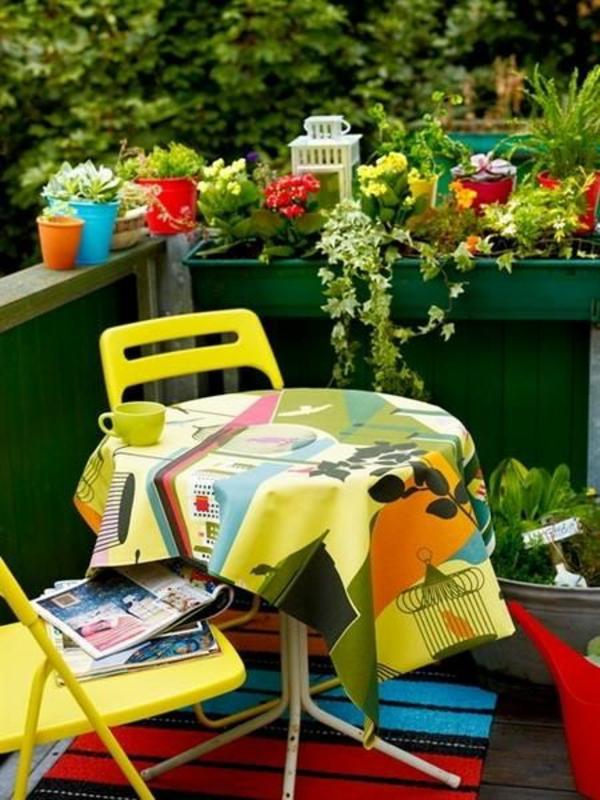 balkon sonnig bepflanzen blumenkasten gelb farbe
