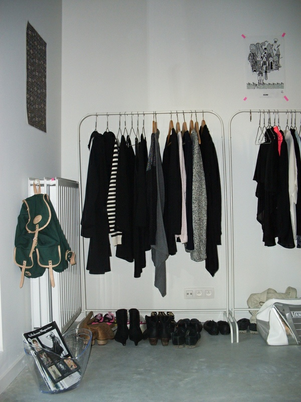 begehbaren kleiderschrank selber bauen kleiderständer ankleidezimmer einrichten