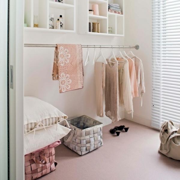 begehbaren kleiderschrank selber bauen kleiderständer offene ...