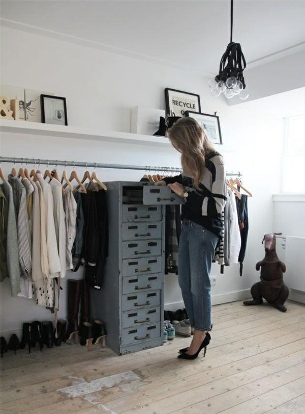 begehbaren kleiderschrank selber bauen kleiderständer vintage möbel