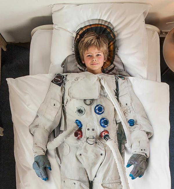 klug interessant bettwäsche austronaut junge kinderzimmer