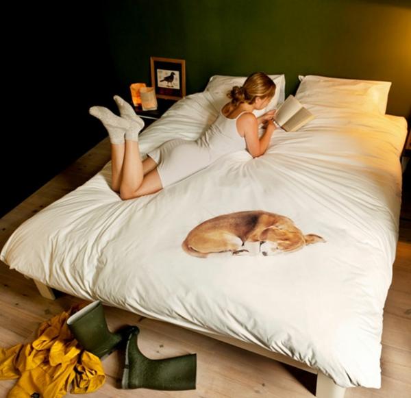 coole bettwäsche schlafender weiß traditionell bücher lesen