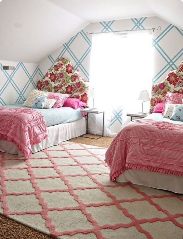 jugendzimmer mädchen rosa betten teppich