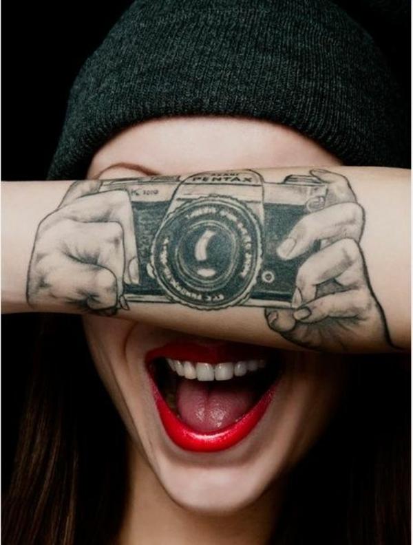 coole tattoos 3d kamera unterarm
