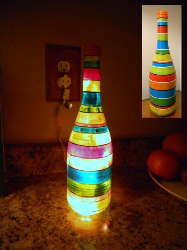 leuchten diy tischlampe aus weinflasche bunte deko